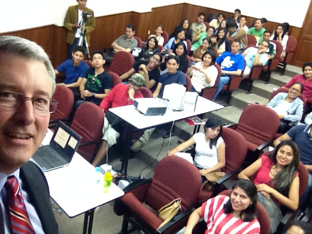 Robert Magee conducts workshops in Bolivia